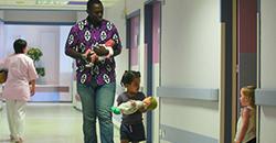 Développer la parentalité à la maternité